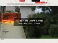 distilling-essential-oils.com